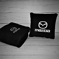 Набір: Автомобільна подушка + плед з вишивкою логотипу Mazda