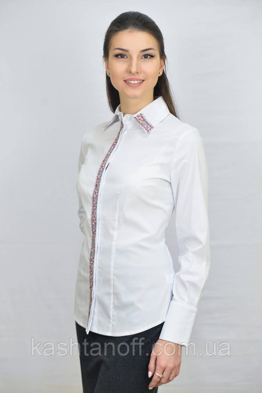 Женская блуза с вышивкой
