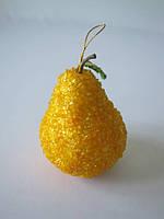 """Декоративный фрукт """"Желтая груша"""" с камушками"""