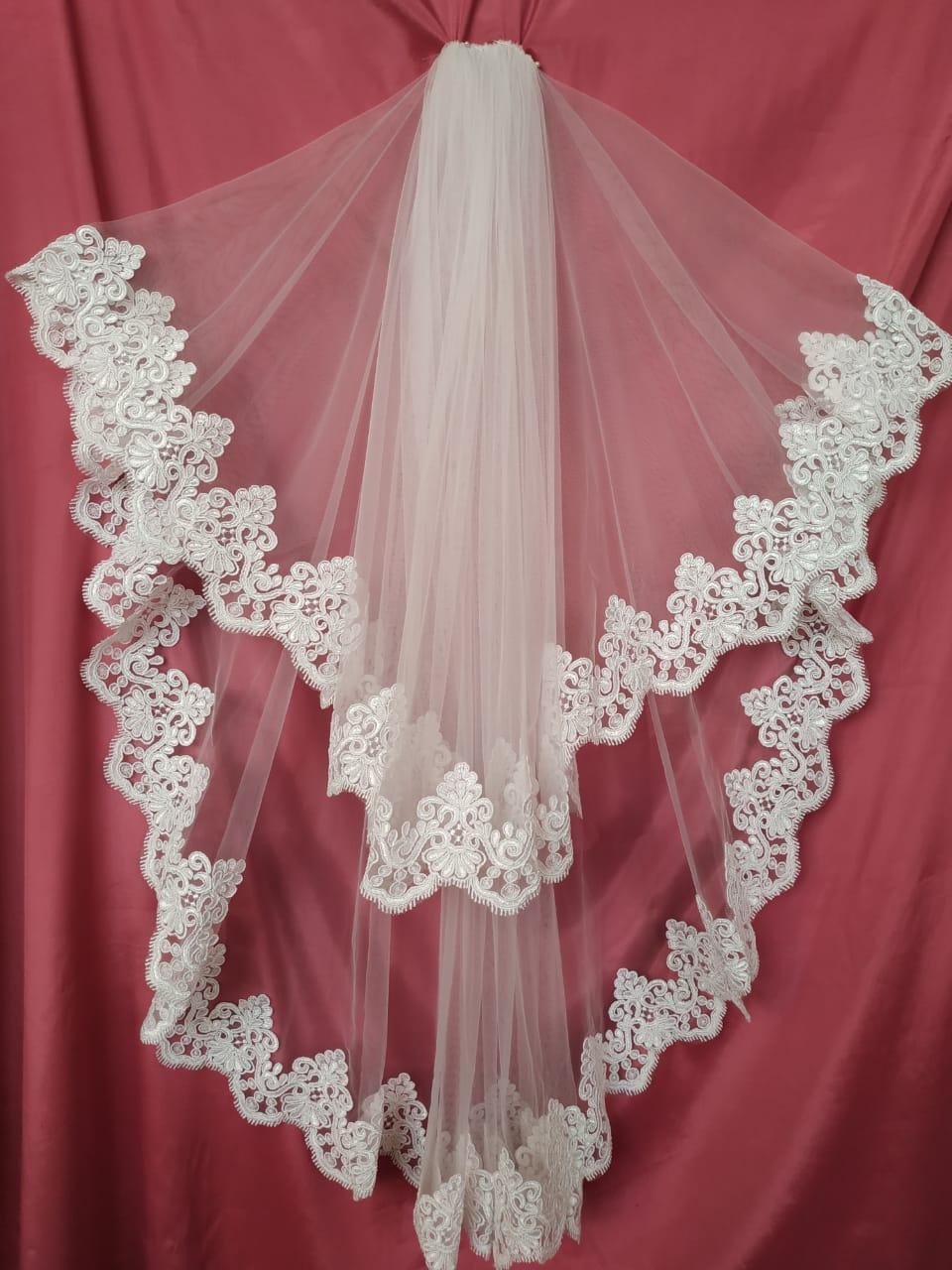 Свадебная фата белая с гипюром