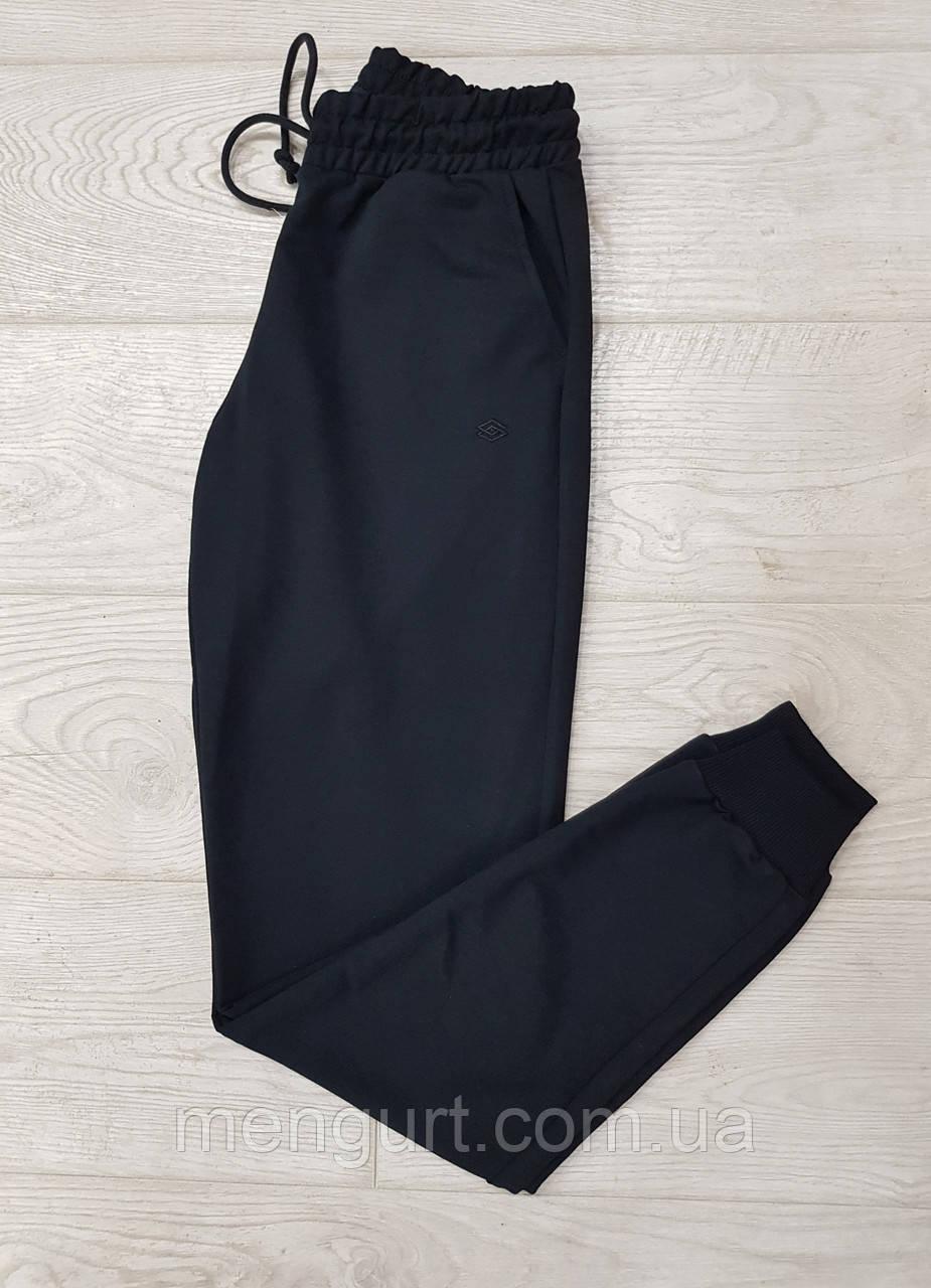 Спортивні штани чоловічі з манжетами однотонні чорні