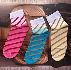 Женские демисезонные носки Версаль средней высоты с полосками люрекс