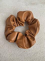 Жіноча резинка для волосся з еко-шкіри, об'ємна шкіряна резинка руда, женская резинка на волосы коричневая