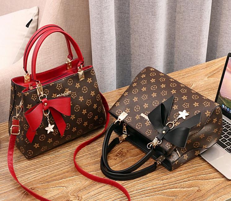 Женская сумка в стиле Луи Витон