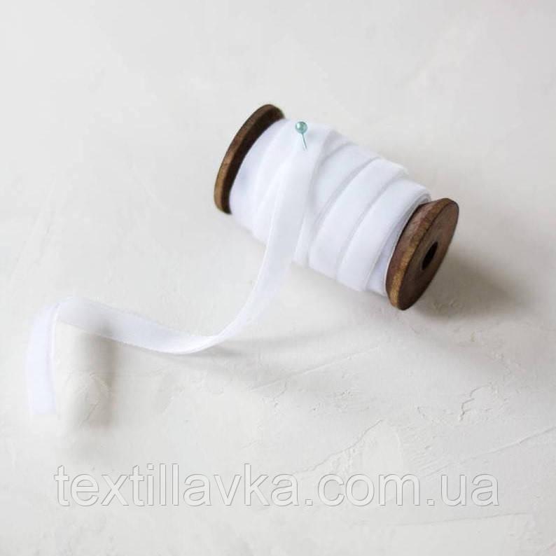 Оксамитова стрічка 1см біла