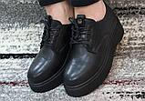 Женские черные туфли на шнурках на высокой подошве., фото 2