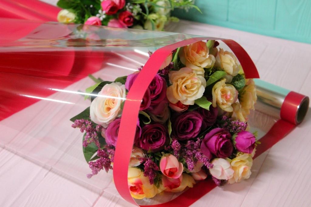 Плівка для тонування квітів з прозорим вікном 70см*10м Червона