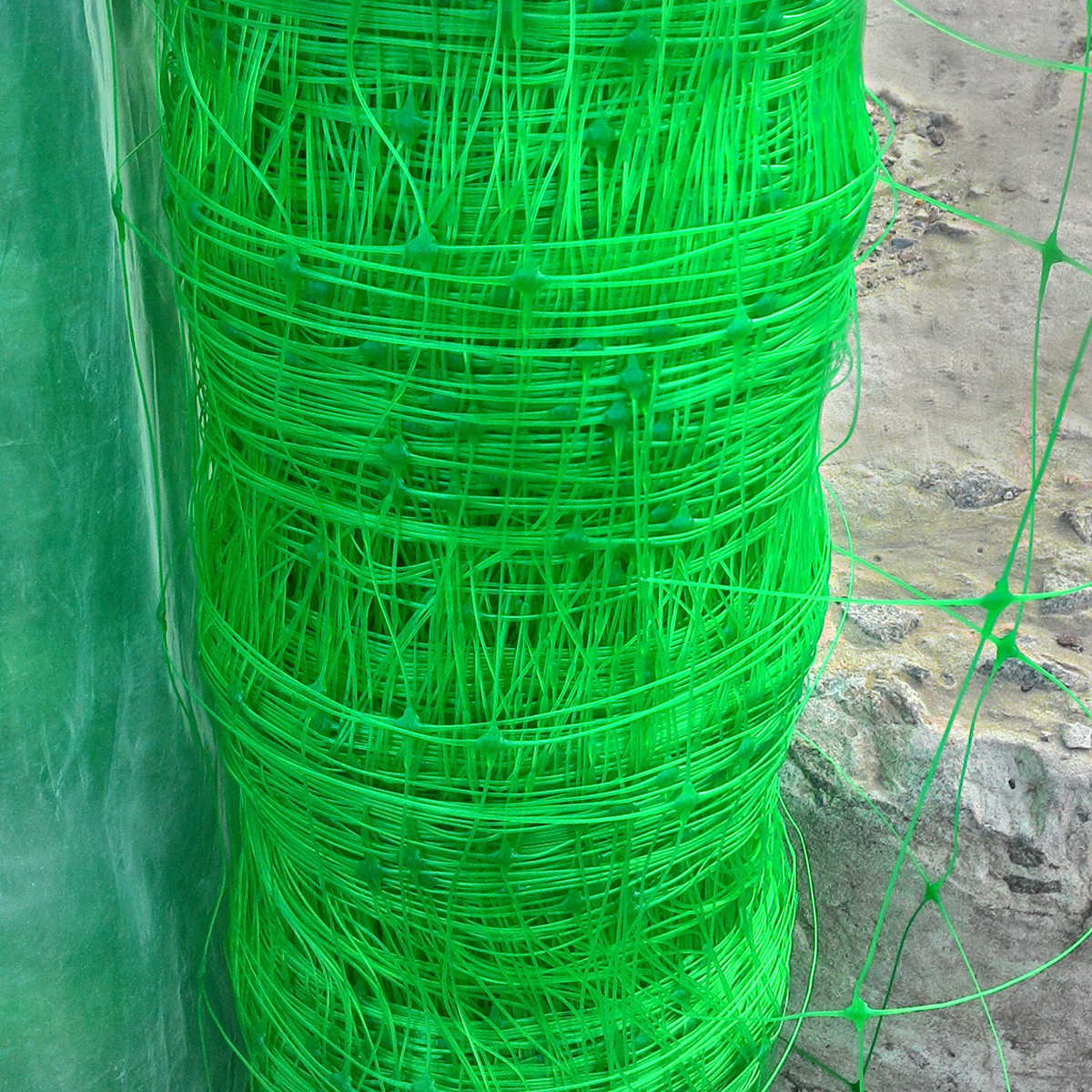 Венгерська сітка шпалерна, для вирощування огірків, рослин, квітів 1,7 м 100 м комірка 15х17