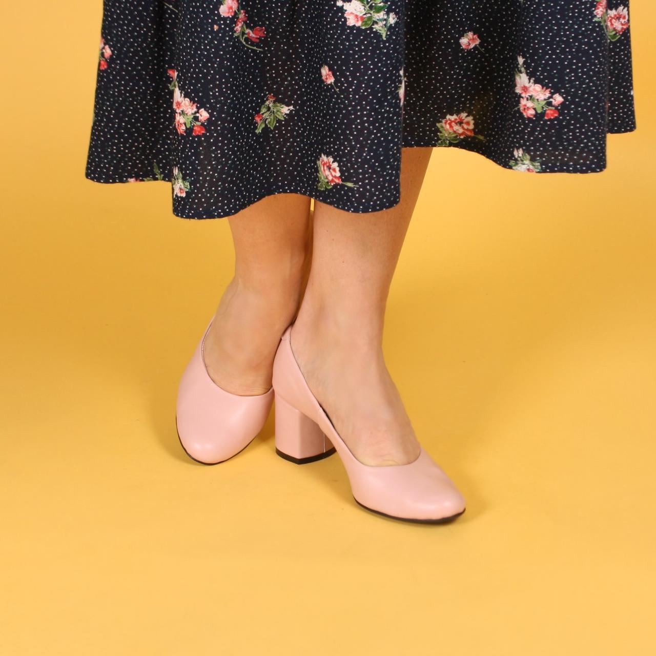 Женские туфли розовые на среднем каблуке. Натуральная кожа, замша.