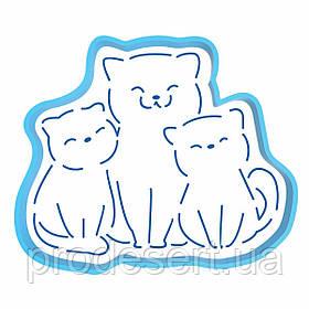 Кошка с котятами вырубка с трафаретом 11*13 см (TR-2)