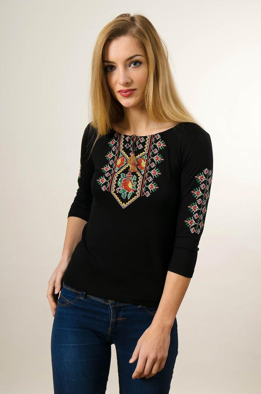 Вишита футболка для жінки із рукавом 3/4 чорного кольору із червоним квітковим орнаментом «Маки кольорові»