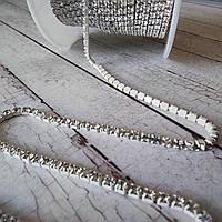 Стразовая лента ss6 2мм прозрачная в белом металле с-14 16417