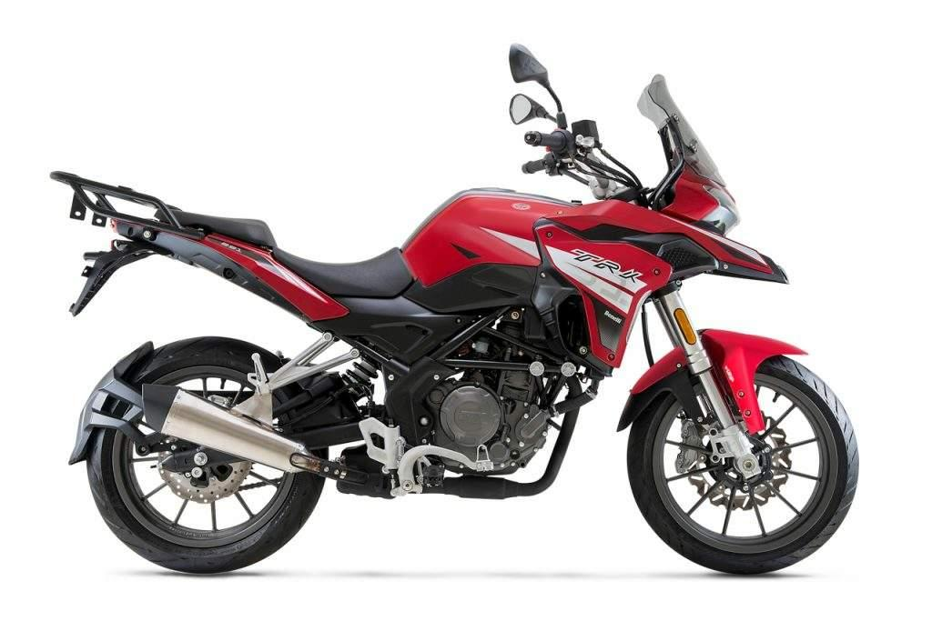 Мотоцикл Benelli TRK251