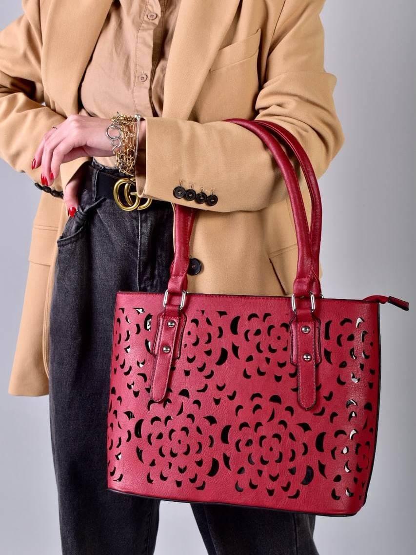 Жіноча бордова сумка з перфорованим малюнком код 7-875