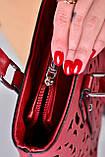 Жіноча бордова сумка з перфорованим малюнком код 7-875, фото 3
