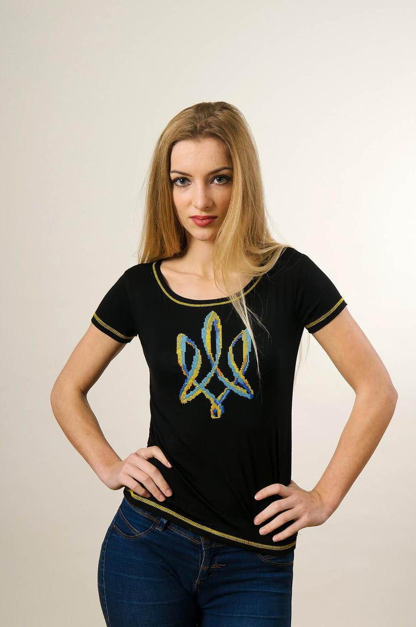 Чорна жіноча вишита футболка у патріотичному стилі «Тризуб»