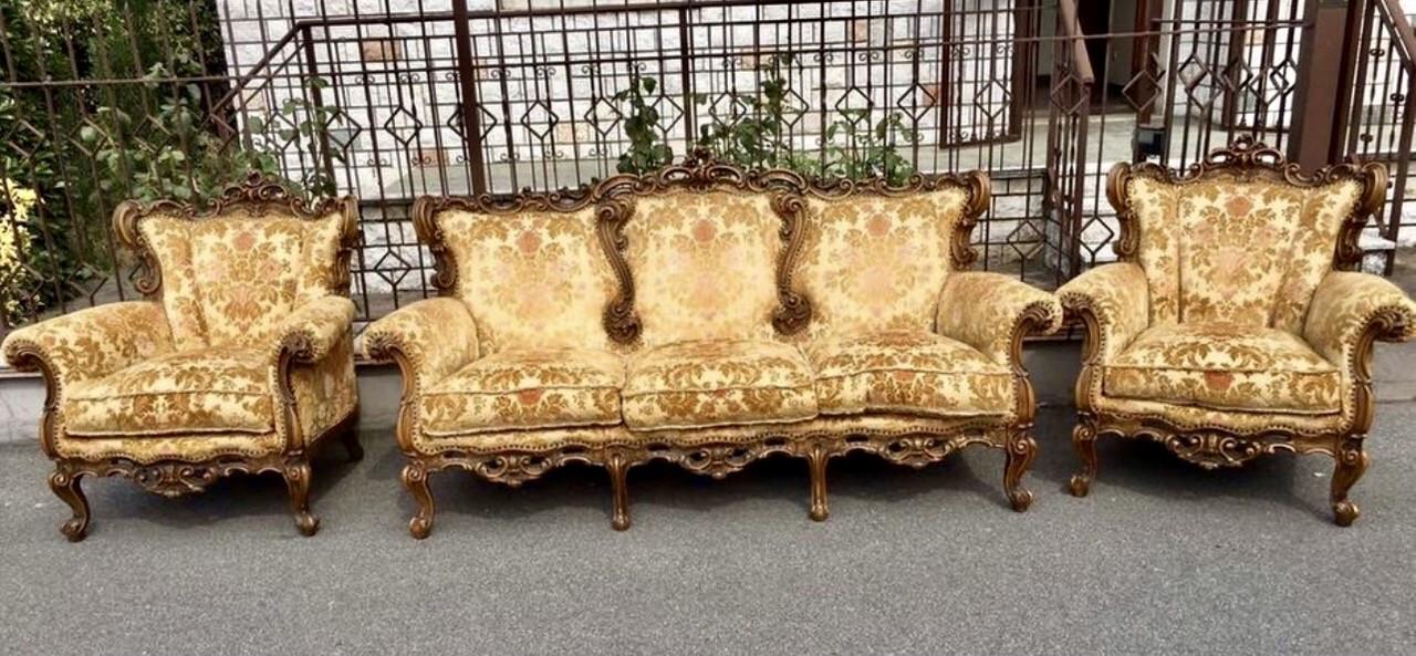Мягкий комплект диванов. Франция