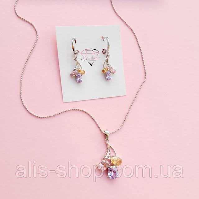 сережки з різнокольоровими камінцями