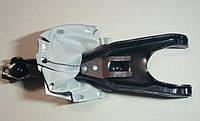 Вилка выключения сцепления ГАЗ 3102, 3302 с чехлом в сб. <рычаг корзины> (пр-во ГАЗ)