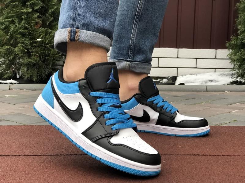Низькі баскетбольні кросівки Air Jordan  Low 1 Retro  White Black Blue