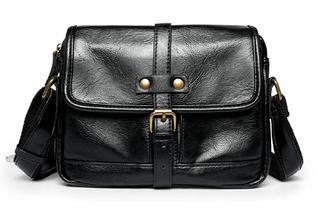 Мужская сумка черная с лямкой