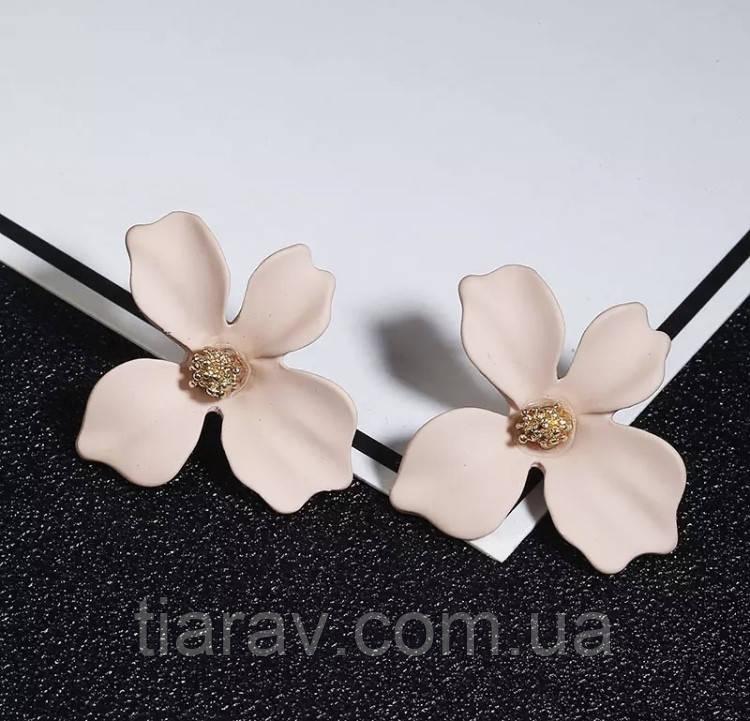 Серьги цветы, модные серьги, бижутерия