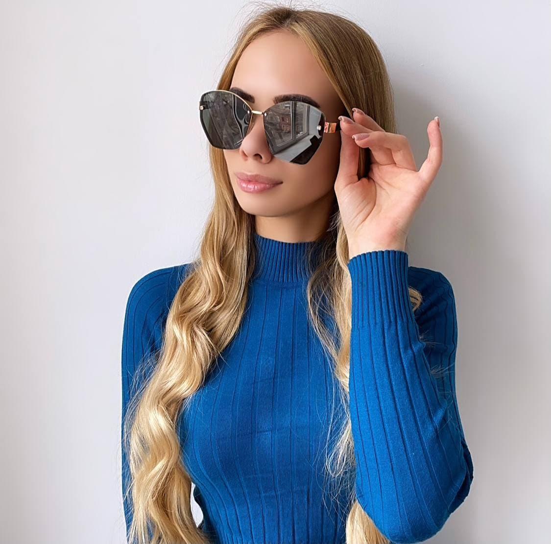 Женские  темные солнцезащитные очки