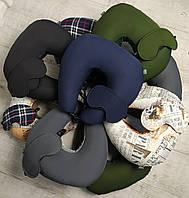 Подушка под шею с маской EKKOSEAT для путешествий. Темно синяя. Бинарная, с велюровой вставкой под шею.