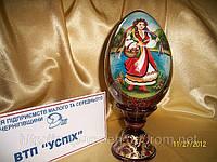 Сувенир ручной работы Яйцо на подставке Украиночка