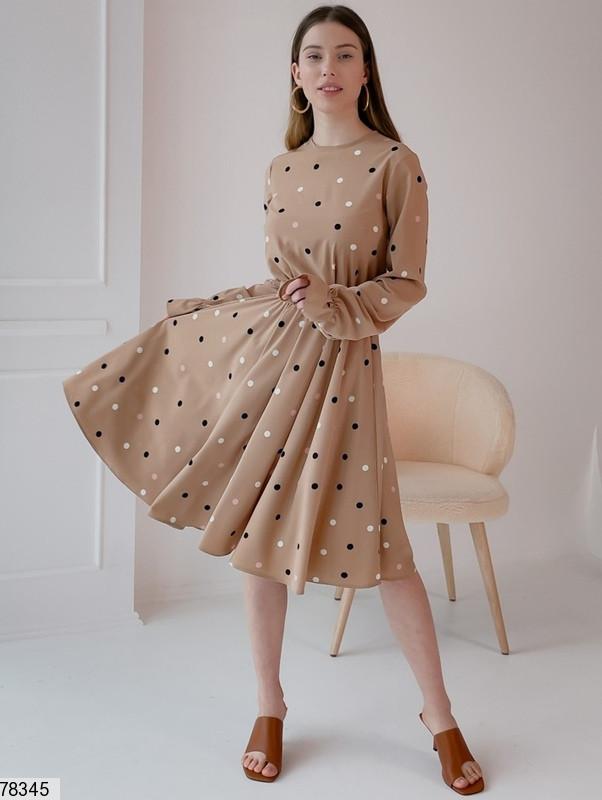 Романтичное женское платье приталенного кроя в горошек с 42 по 48 размер