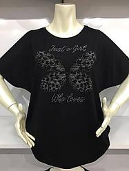 Женская футболка в черном цвете полномерного размера