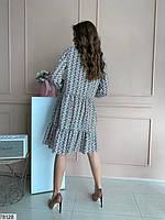 Яскраве жіноча сукня вільного крою з вирізом крапелька на зав'язках і оригінальним принтом з 42 по 48 розмір, фото 2