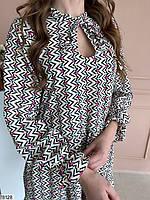 Яскраве жіноча сукня вільного крою з вирізом крапелька на зав'язках і оригінальним принтом з 42 по 48 розмір, фото 3