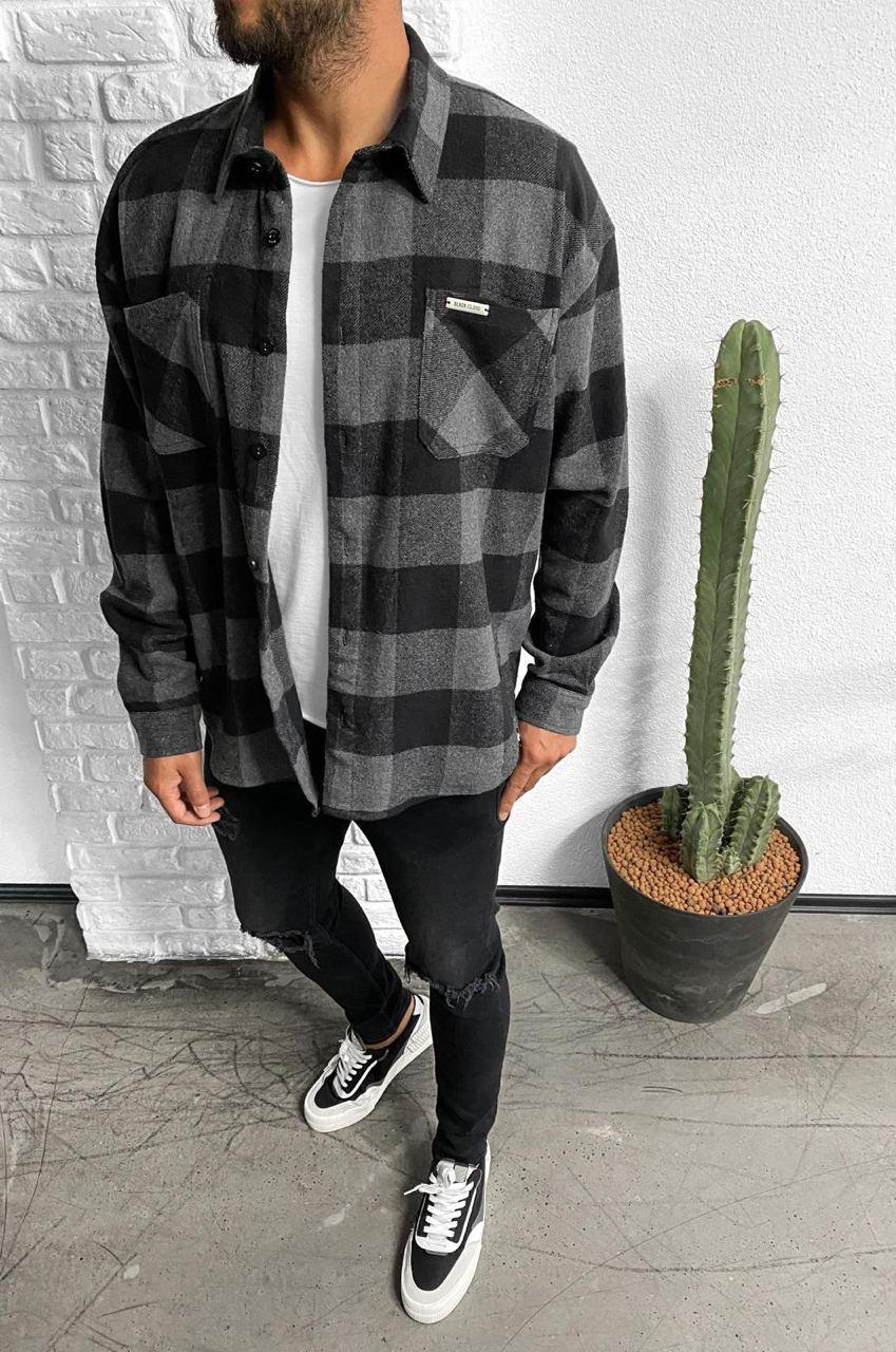 Рубашка мужская утеплённая стильная на пуговицах в клетку серая чёрная Турция