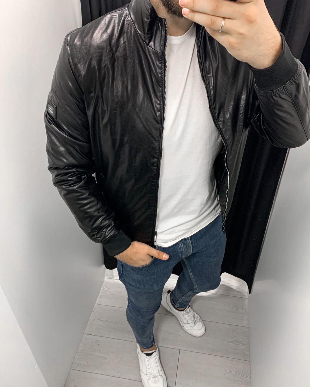 Куртка-бомбер шкіряна чорна стильна на блискавці на синтепоні Туреччина