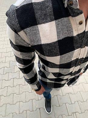 Рубашка мужская утеплённая стильная на молнии с капюшоном в клетку белая с чёрным, фото 2