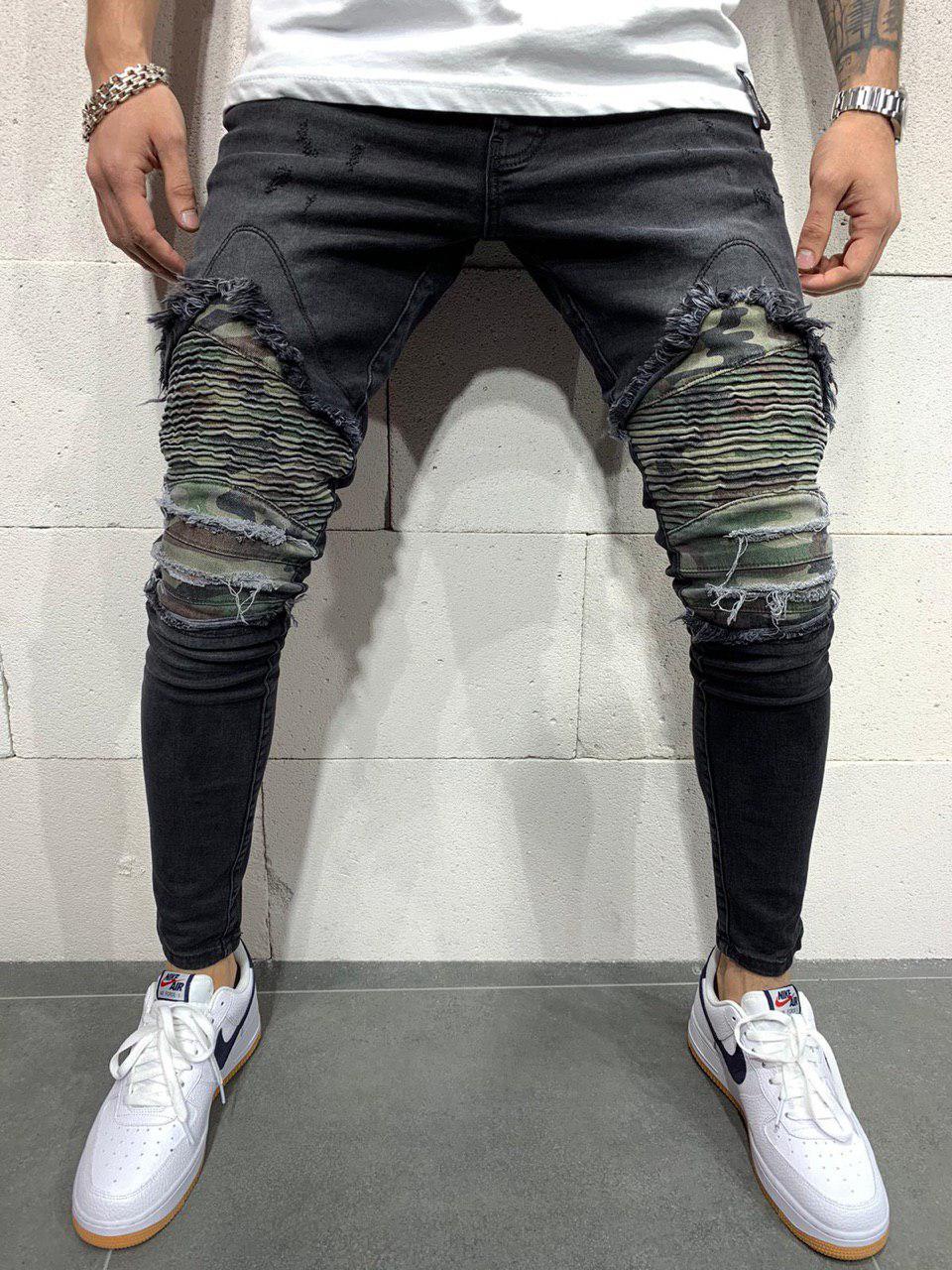 Джинсы мужские чёрные рваные с камуфляжными заплатками
