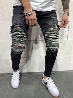 Джинсы мужские чёрные рваные с камуфляжными заплатками, фото 2