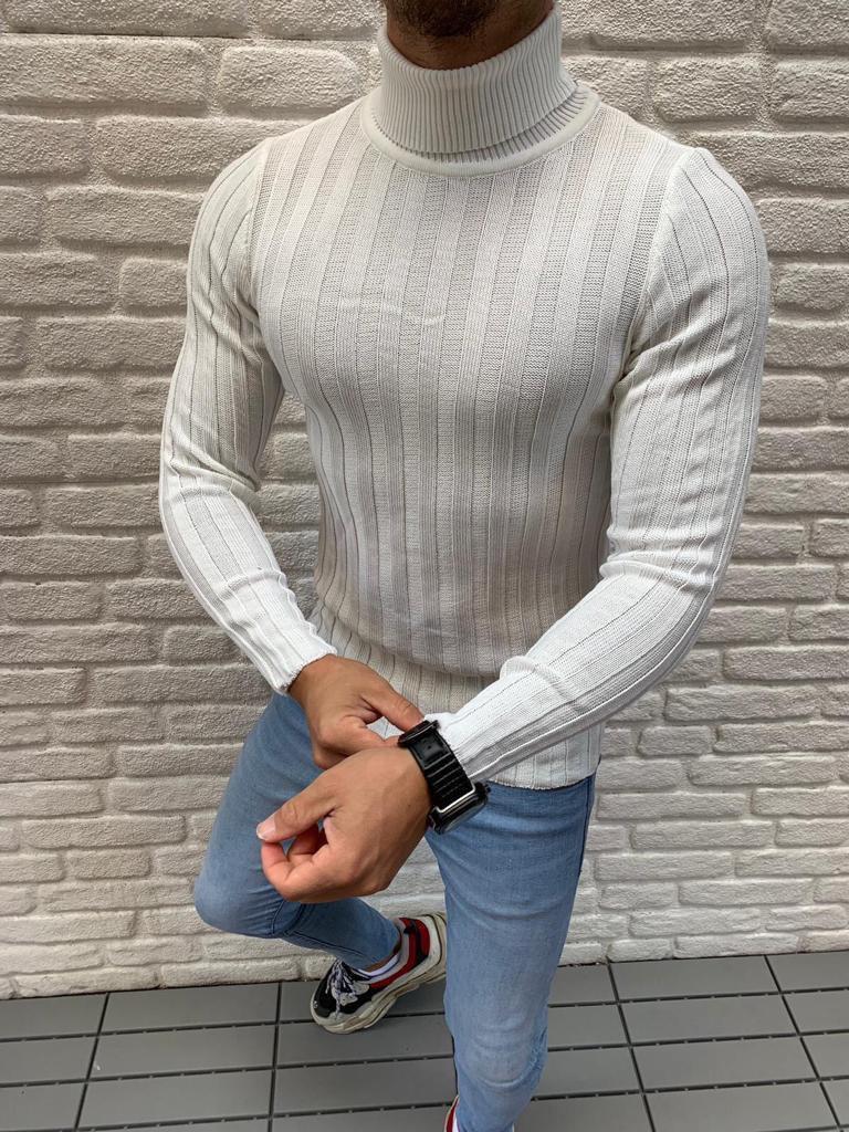 Мужской стильный гольф облегающий белый кремовый с горлом
