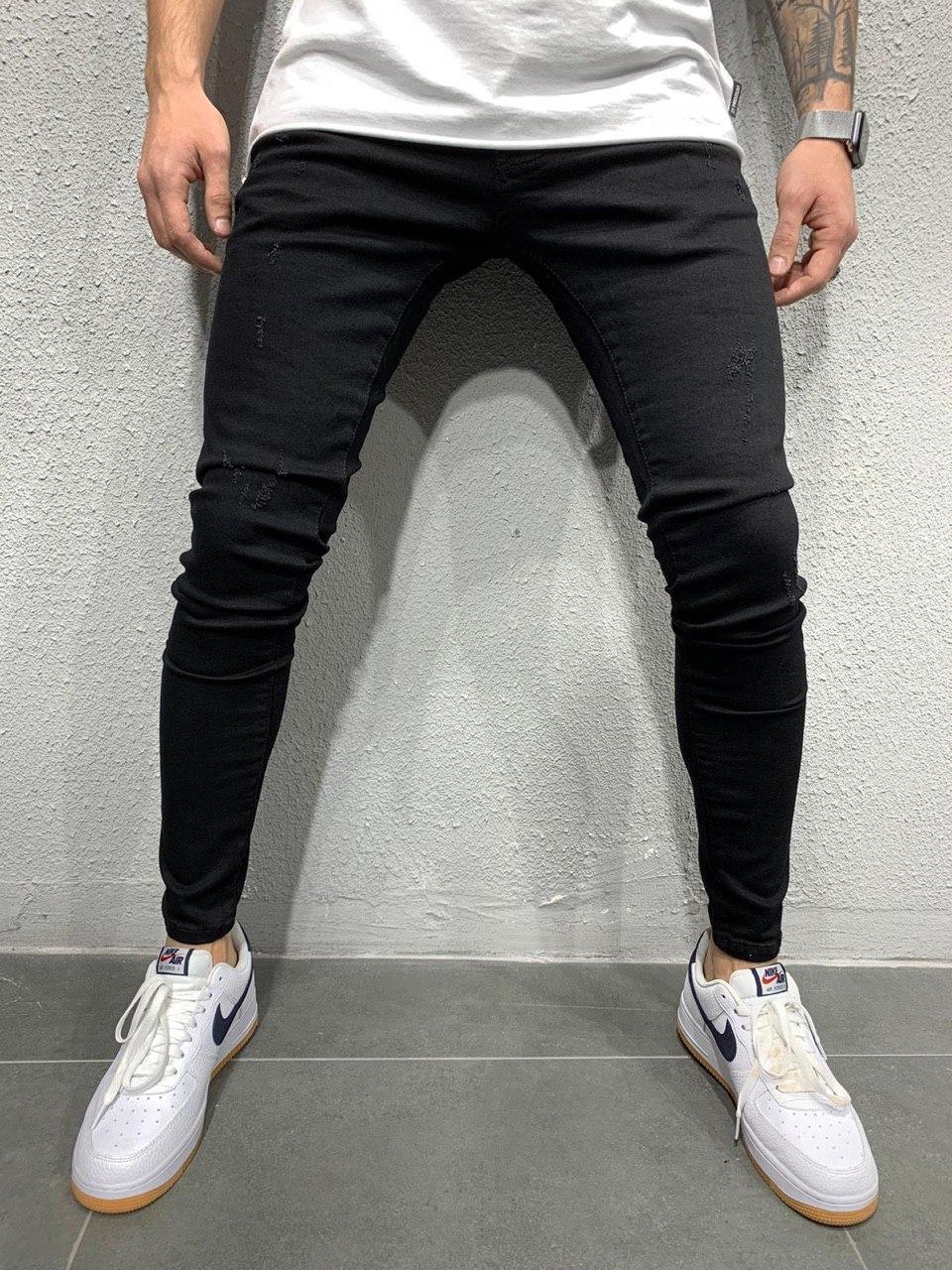 Джинси чоловічі чорні, завужені по фігурі стильні однотонні