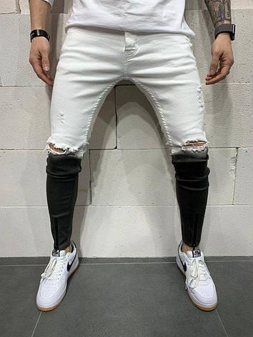 Джинси чоловічі чорні з рваними колінами на блискавки внизу чорно-білі, фото 2