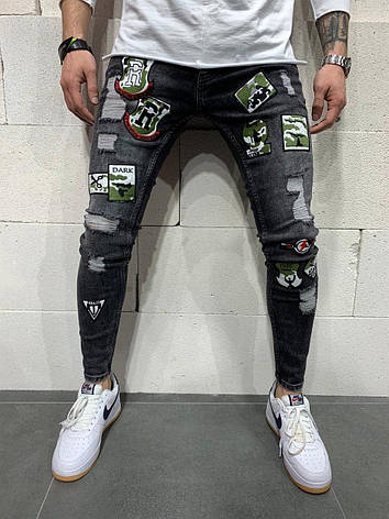 Джинси чоловічі чорні рвані з різнокольоровими латками, фото 2