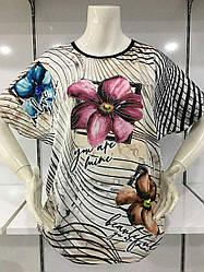 Женская футболка в большом размере с цветочным принтом