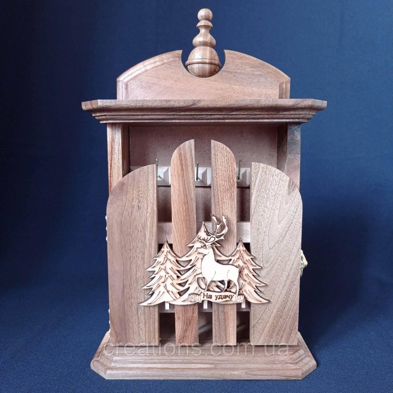 Ключница из дерева ручной работы на 6 ключей, настенная, настольная с настенным крепежем