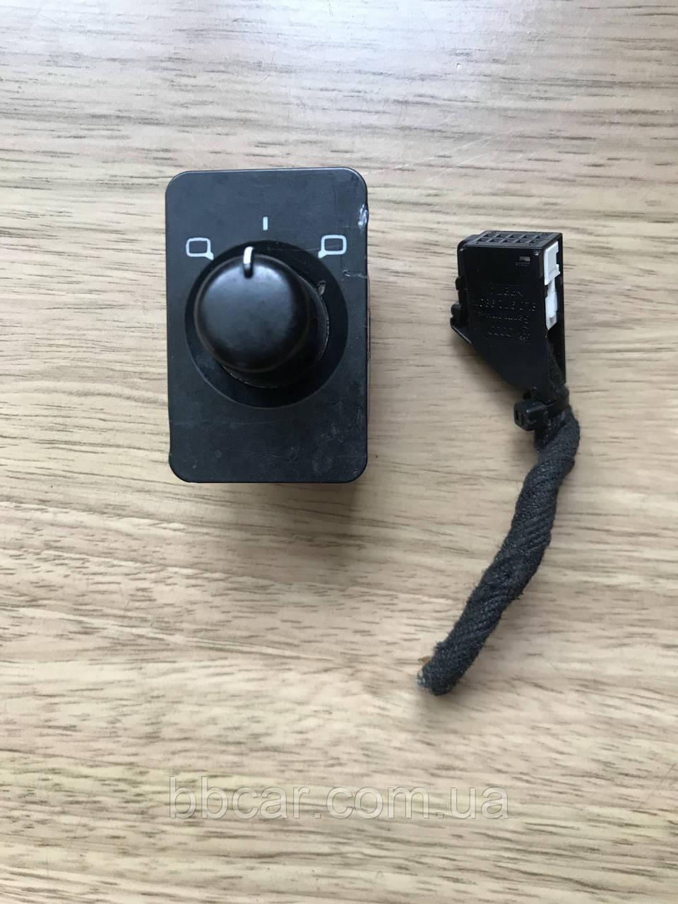 Кнопка регулювання дзеркал ( джойстик ) Audi A-6 С5(97-01р.в) 4B0 959 565A