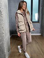 Женская стильная жилетка с накладными карманами на утеплителе силикон (Норма), фото 5