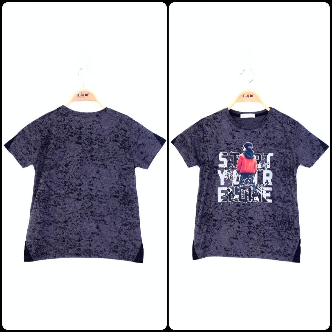 Детская футболка(МАЛЬЧИК), 5-6-7-8 лет, мальчик в красной куртке.