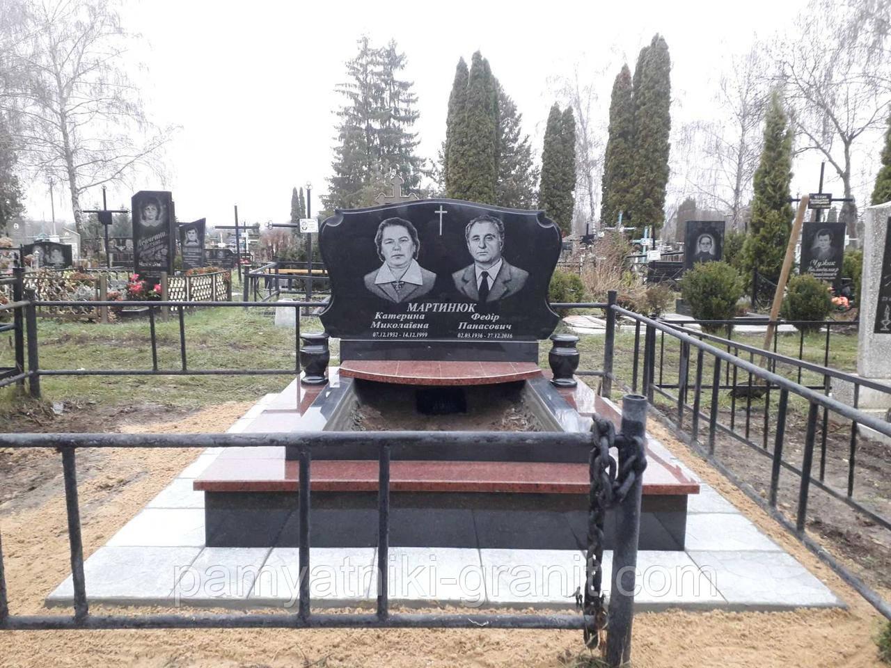 Памятник из гранита (Образец 4041)