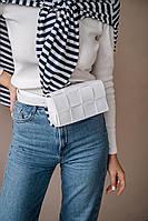 Бананка жіноча в стилі Bottega! Біла жіноча сумочка 63900 на пояс плетена маленька на кнопці, фото 1