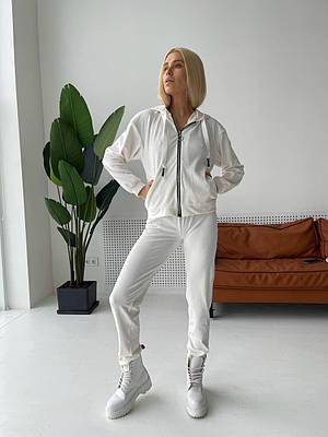 Белый женский спортивный костюм с капюшоном из бархата